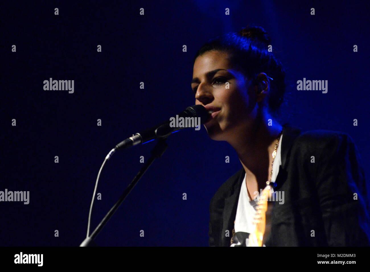 """Die neuseelaendische Singer-/Songwriterin Brooke FRASER (""""Something In The Water"""") bei ihrem Konzert im Capitol Stock Photo"""