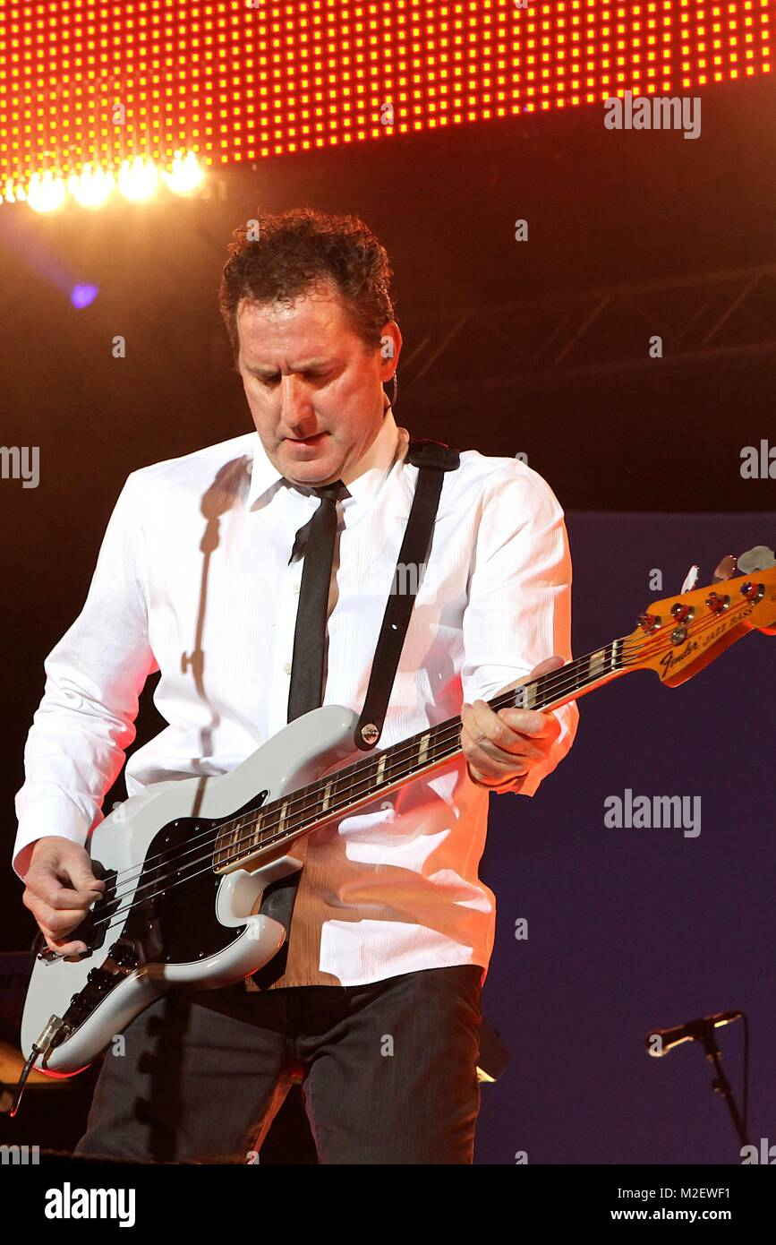 OMD - Tour 2010 im Docks Hamburg, im Bild Andy McCluskey Stock Photo