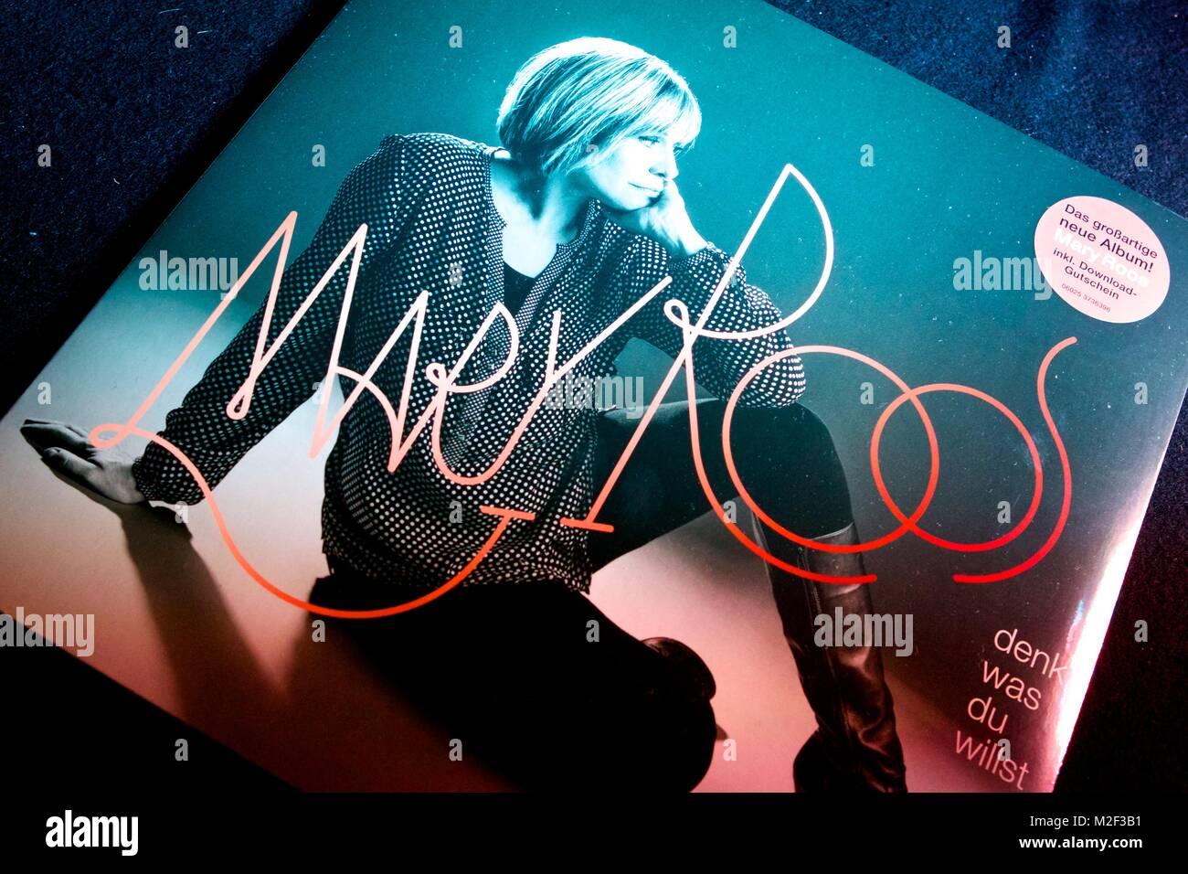 """Die deutsche Schlagersängerin Mary Roos (bürgerlich Rosemarie Böhm) Präsentiert am 17.05.2013 ihr neues Album  """"Denk Stock Photo"""