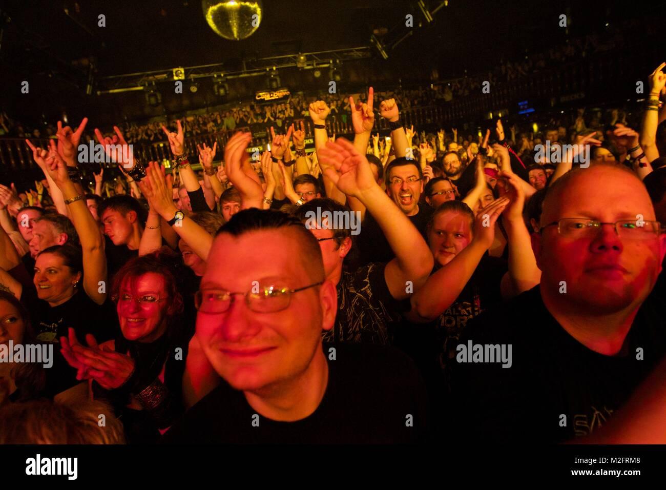 Die deutsche Mittelalter-Rock-Band SALTATIO MORTIS spielte am 16.10.2013 live in der ausverkauften Gr. Freiheit - Stock Image