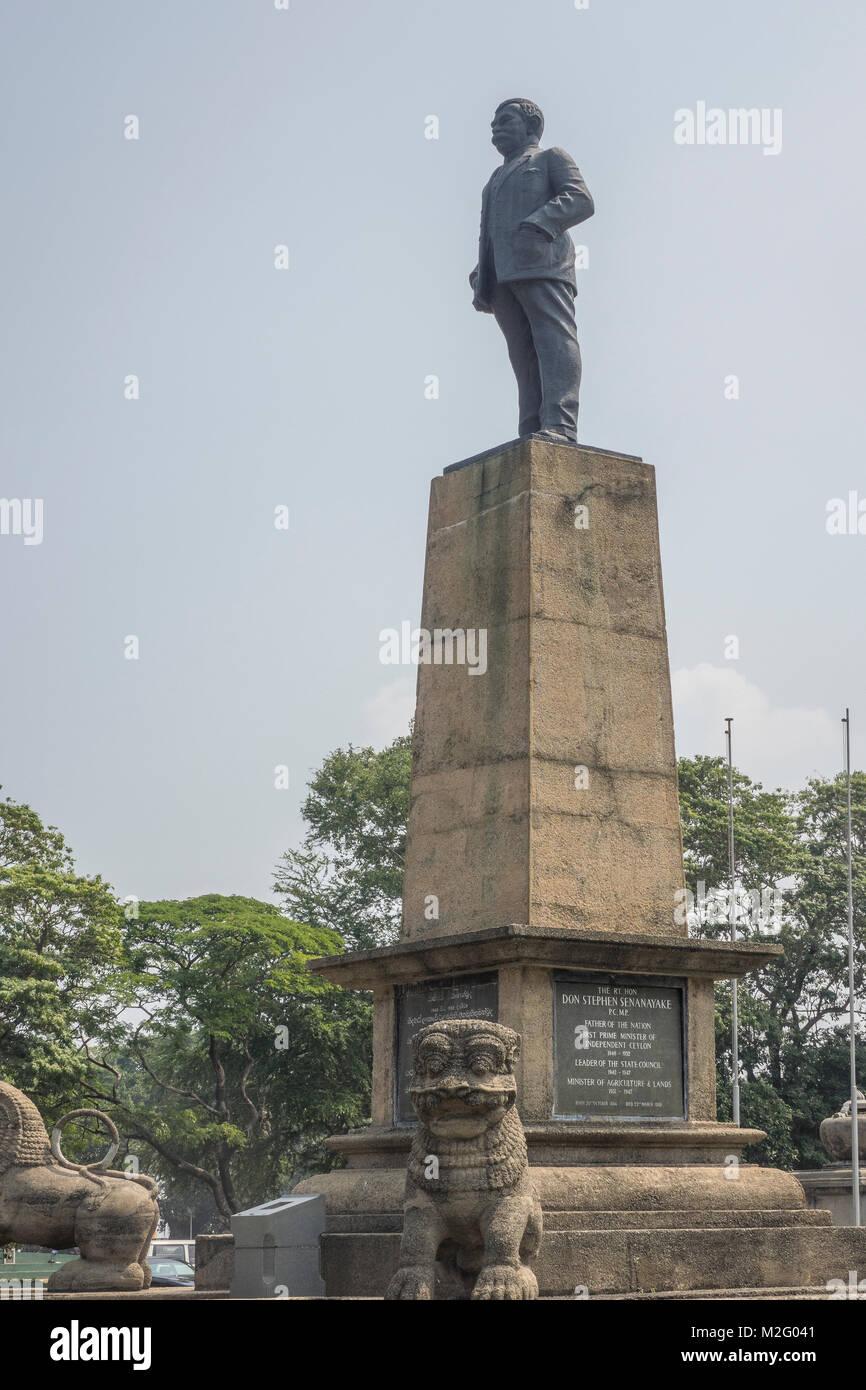 Sri Lanka, Colombo, Don Stephen Senanayake statue by Independence memorial hall - Stock Image