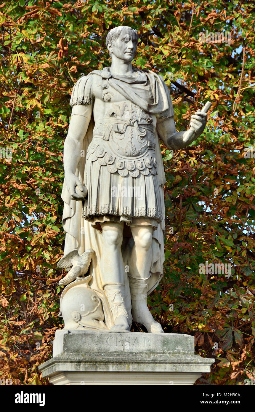 Paris france jardin des tuileries statue jules cesar julius stock photo 173708538 alamy - Statues jardin des tuileries ...
