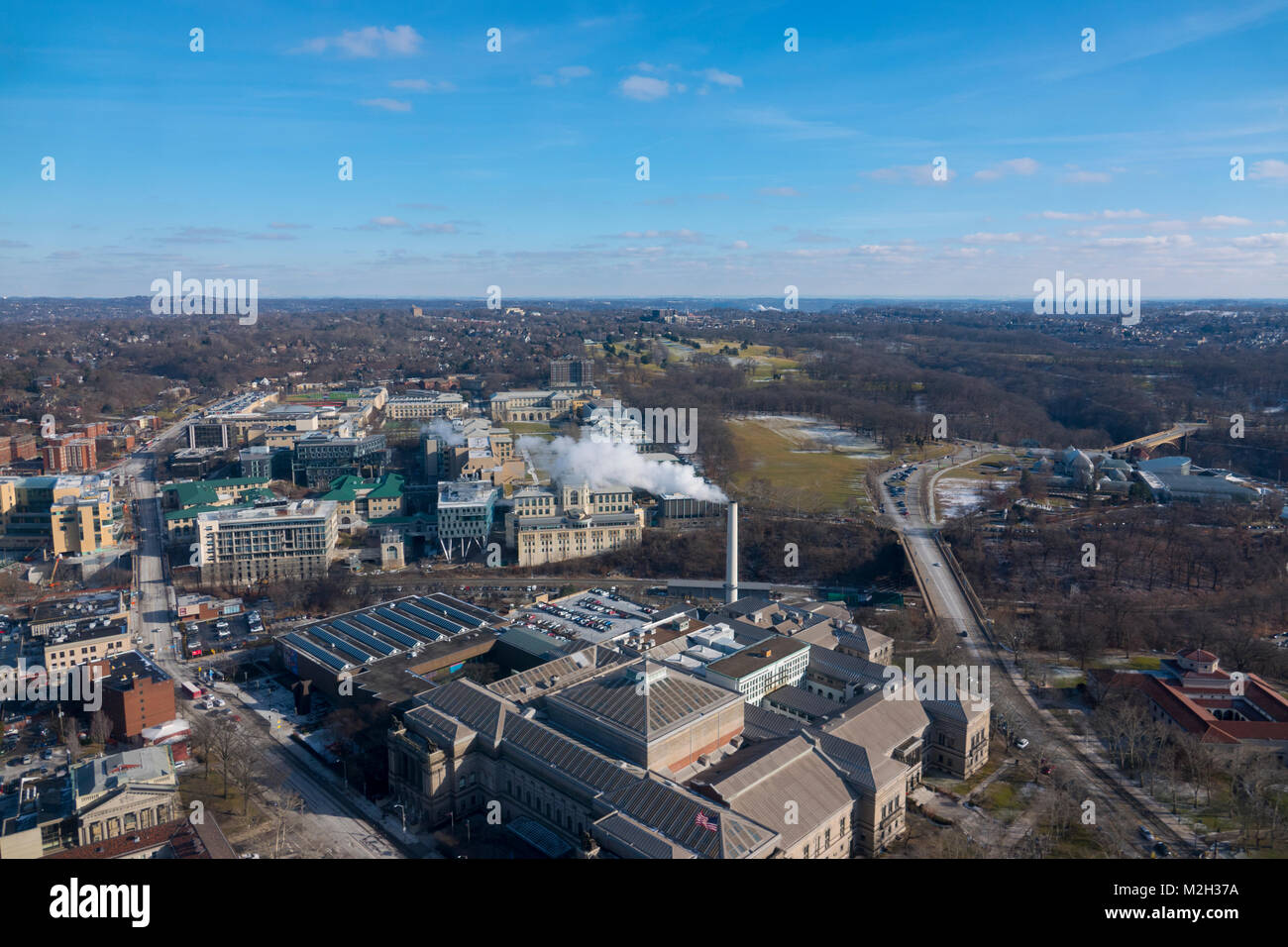USA Pittsburgh PA Aerial view of Carnegie Museum of Natural History  and Carnegie Mellon University (background) - Stock Image