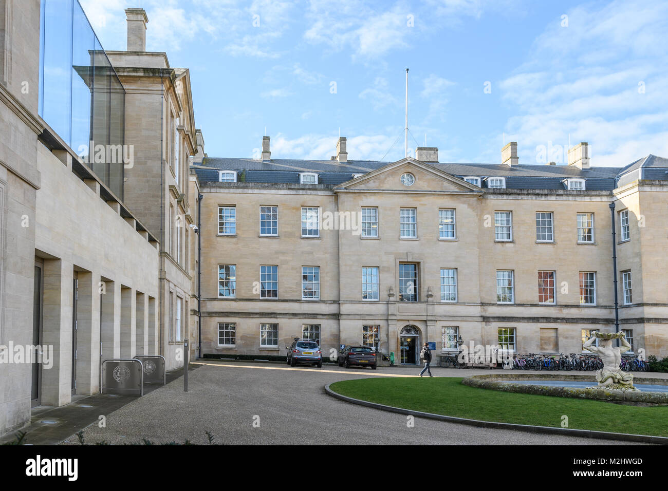The humanities building and the primary care building in the Radcliffe Observatory Quarter (ROQ)  at the university - Stock Image