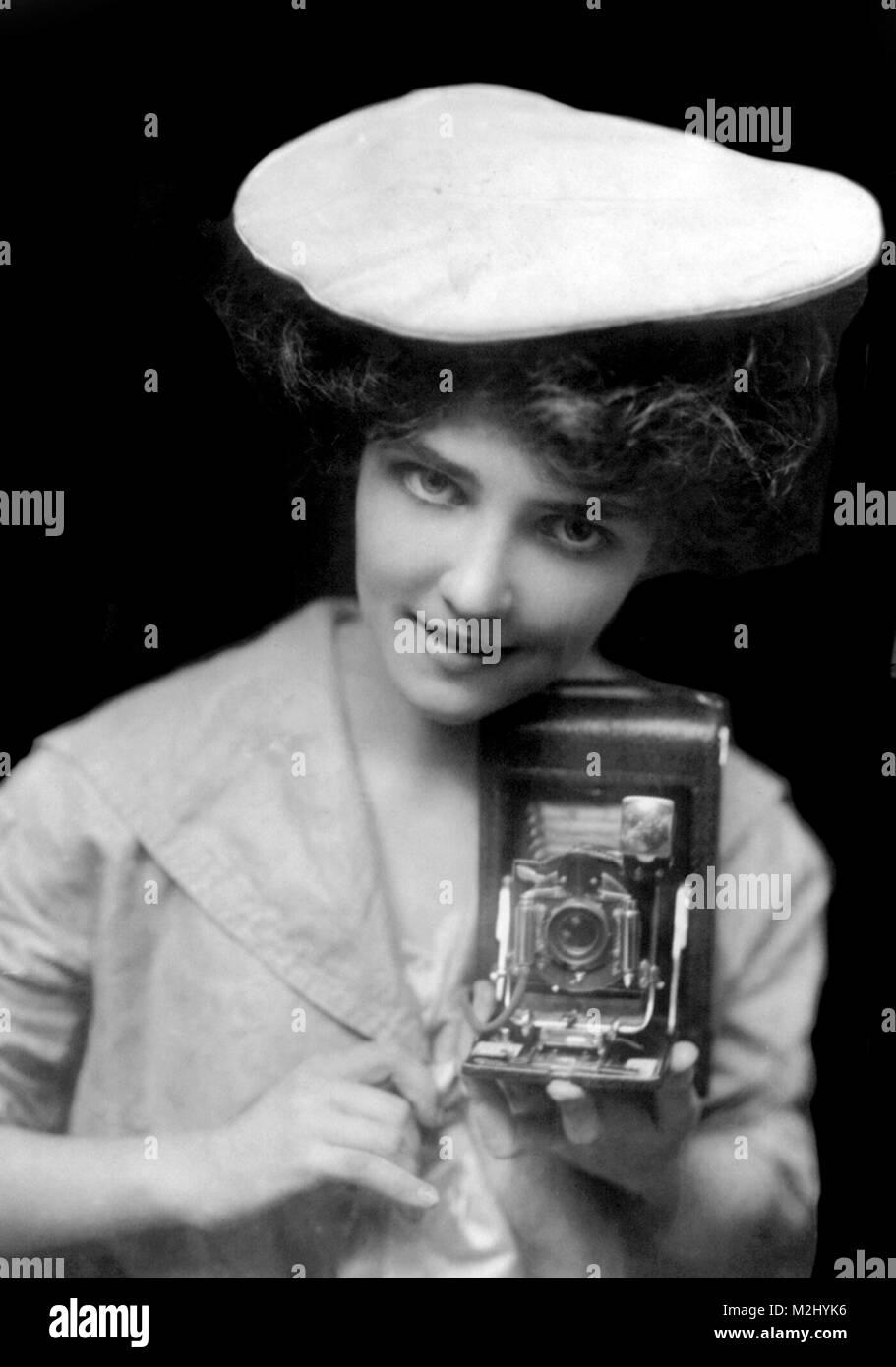 Kodak Girl, 1909 - Stock Image