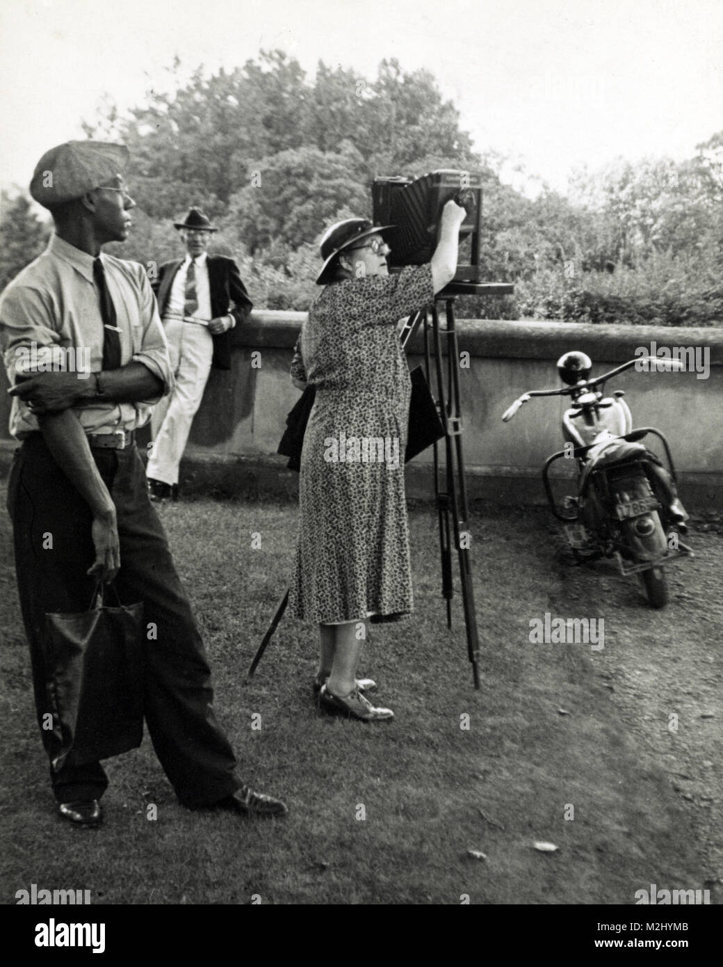 Frances Johnston Photographing the Biltmore Estate, 1938 - Stock Image