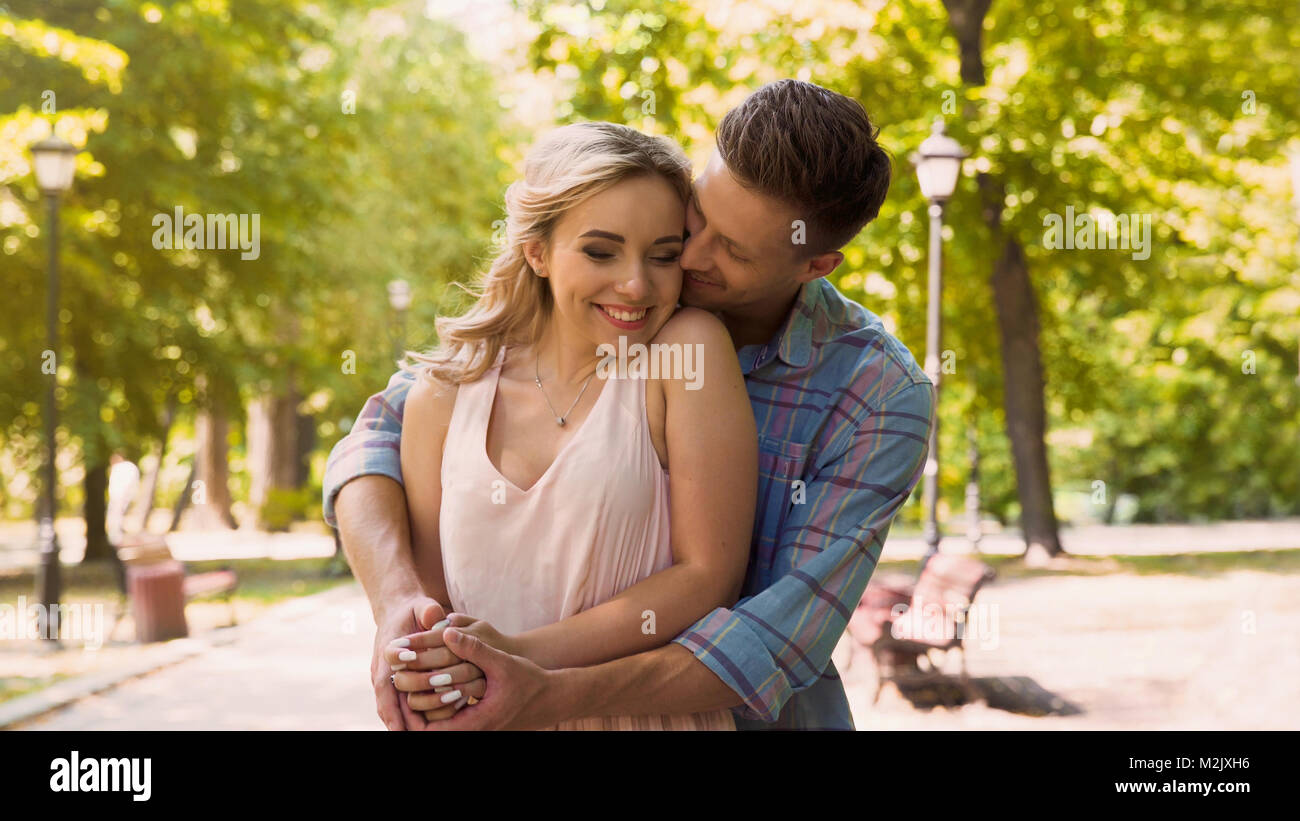 boyfriend and girlfriend dating