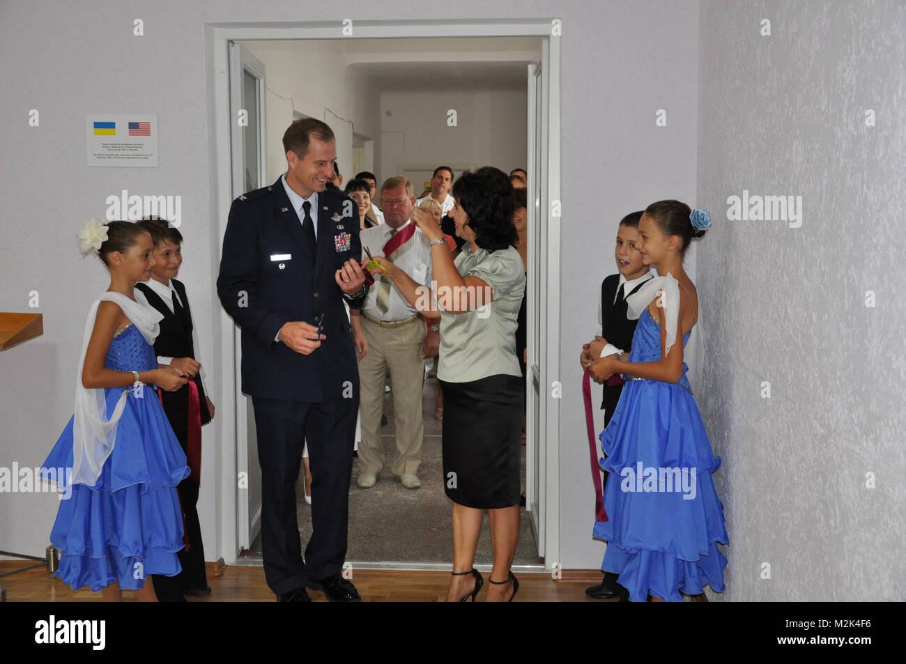 EUCOM assistance in Ukranian school renovation by EUCOM - Stock Image