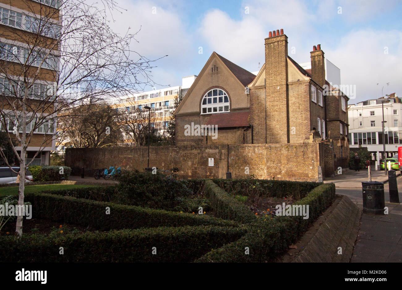 Churchill Gardens Estate, St Gabriels Church Hall - Pimlico, London ...