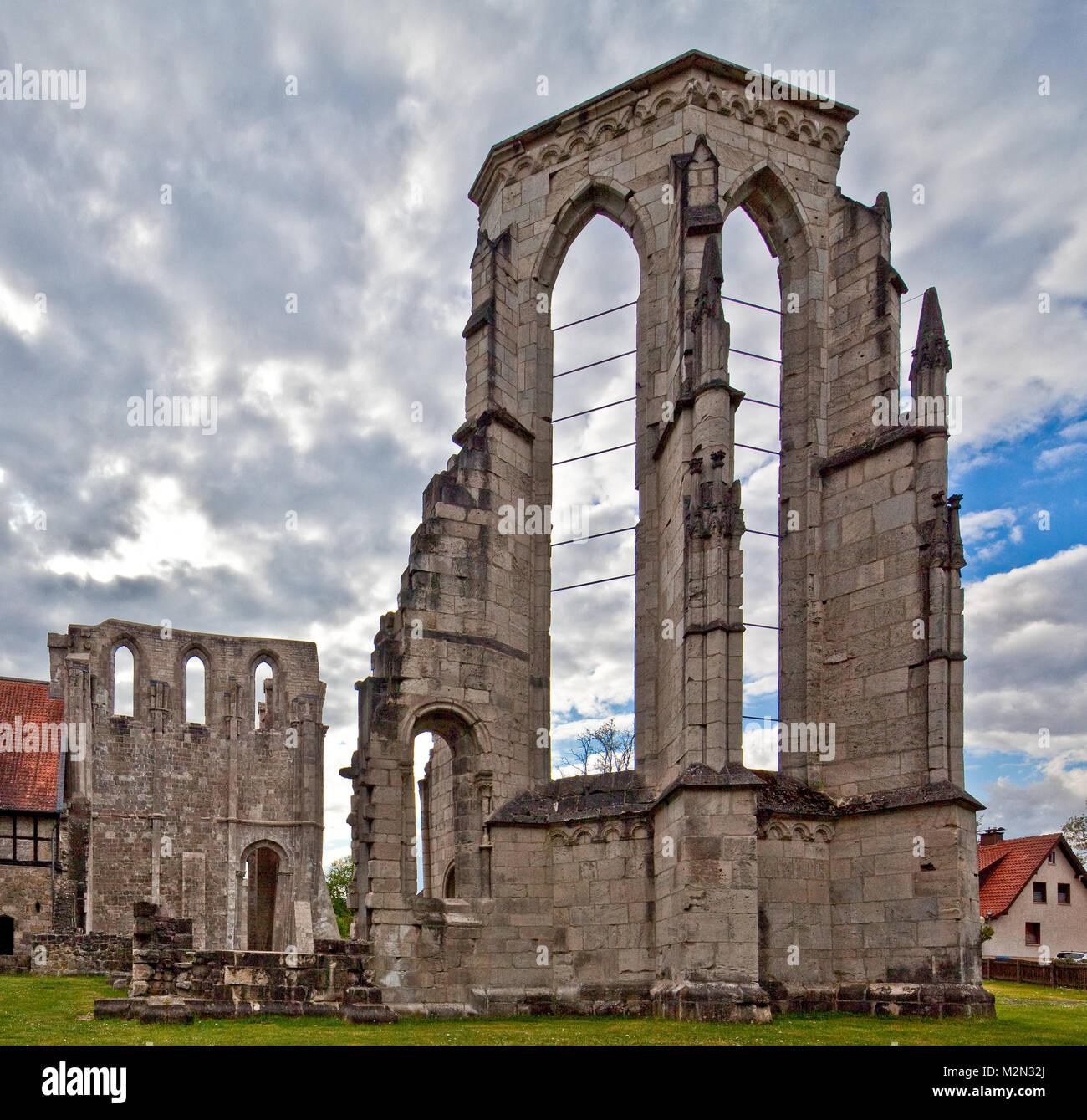 Walkenried Ruine d Klosterkirche Chorhaupt von Südosten links Rest des Südquerhauses - Stock Image