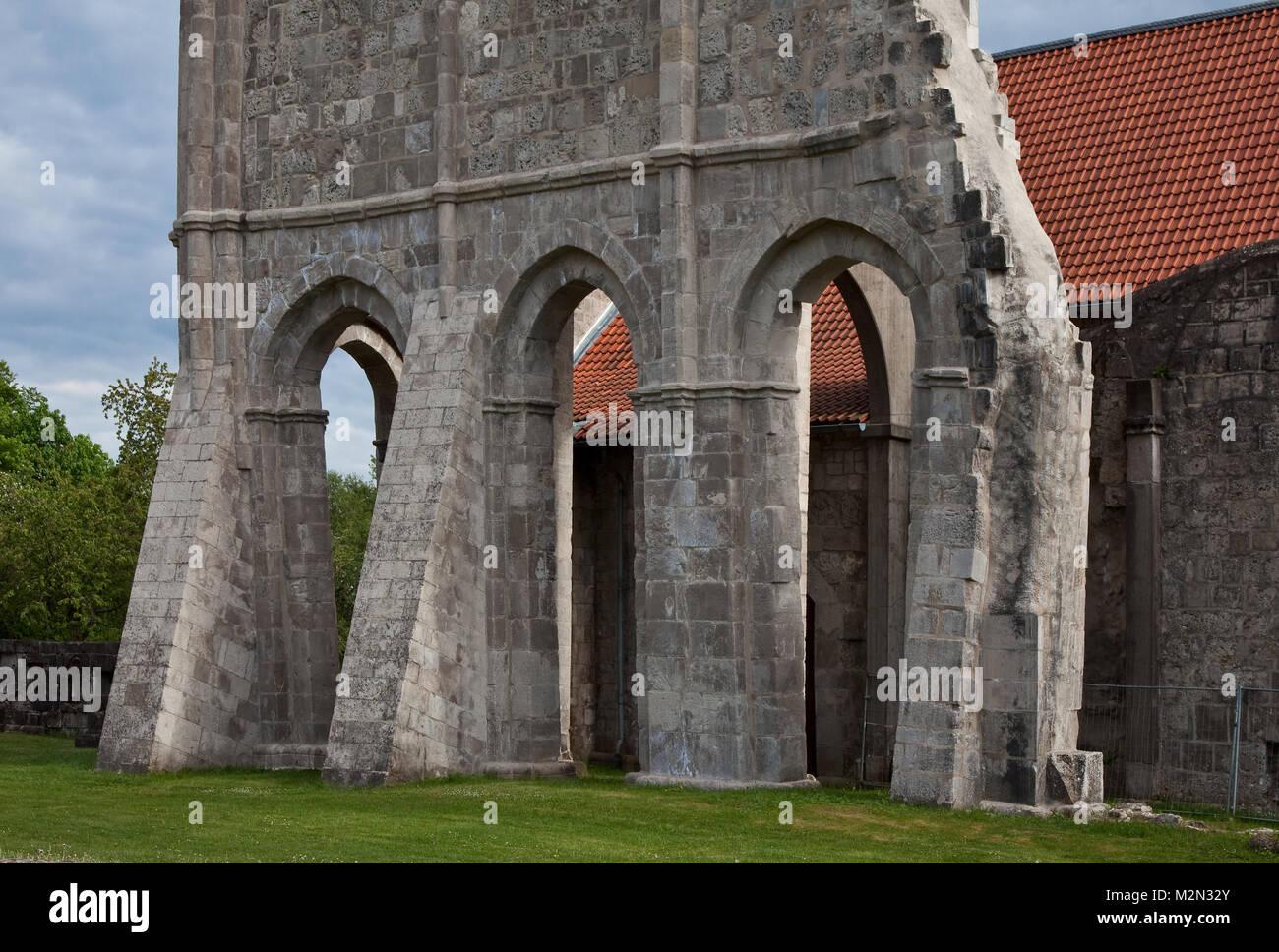 Walkenried Ruine der Klosterkirche Teilansicht von Nordwesten Rest des südlichen Seitenschiffes aus Richtung - Stock Image