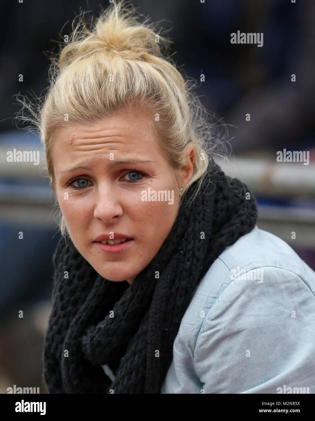 Svenja Huth (1. FFC Frankfurt) runzelt nach dem Anschlusstor der Gäste die Stirn - Stock Image