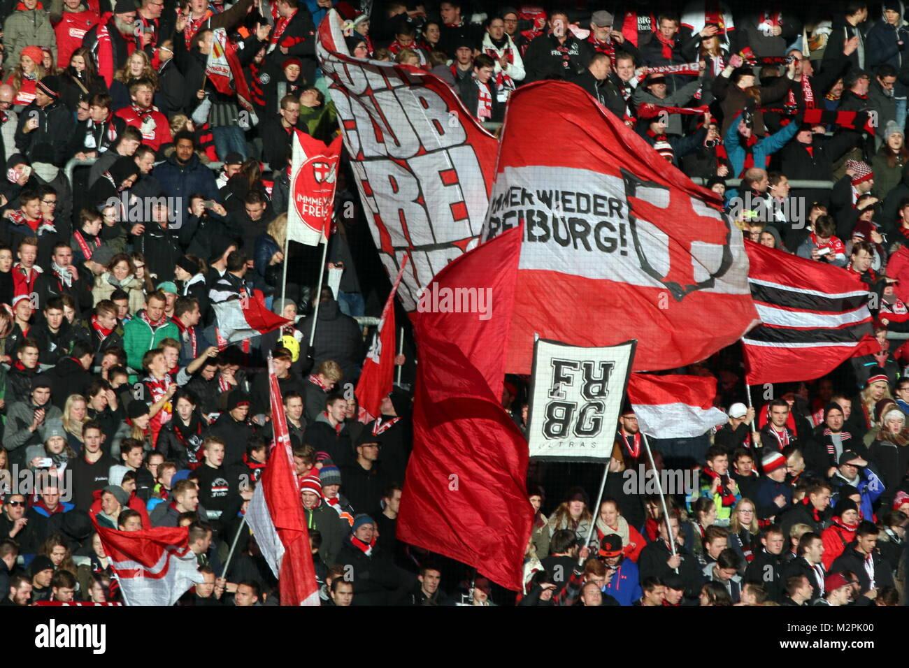 Fankurve Fans Fanblock In Feierlaune Fussball 2 Bl