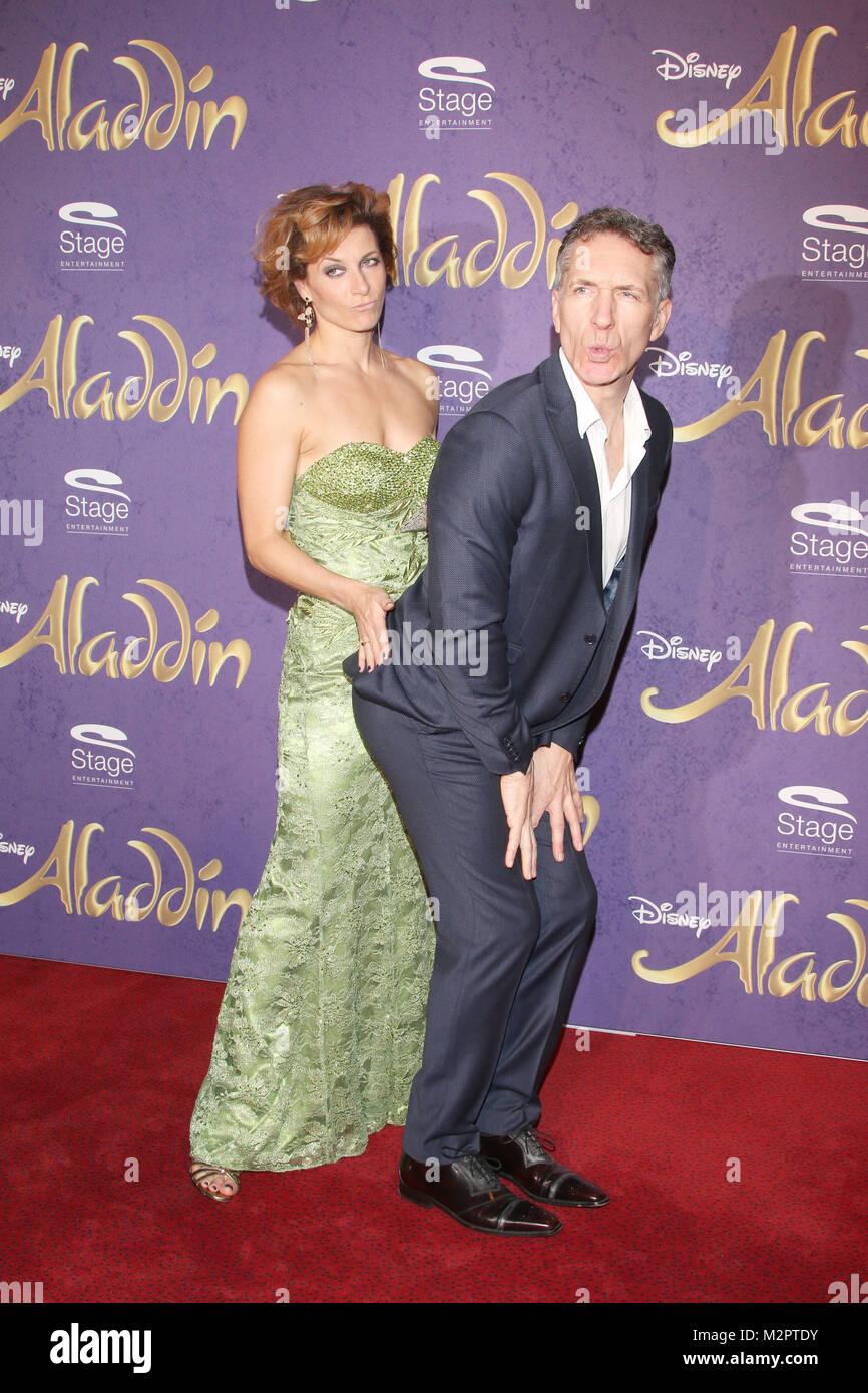 Nigel Casey & Caroline Frank, Premiere 'Aladdin', Neue Flora Hamburg, 06.12.2015 - Stock Image
