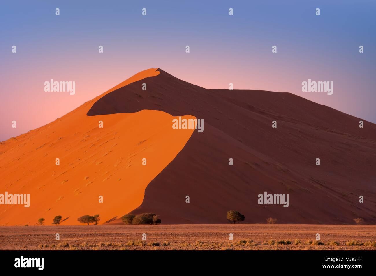 Sand dune 45 in Sossusvlei, Namibia Stock Photo