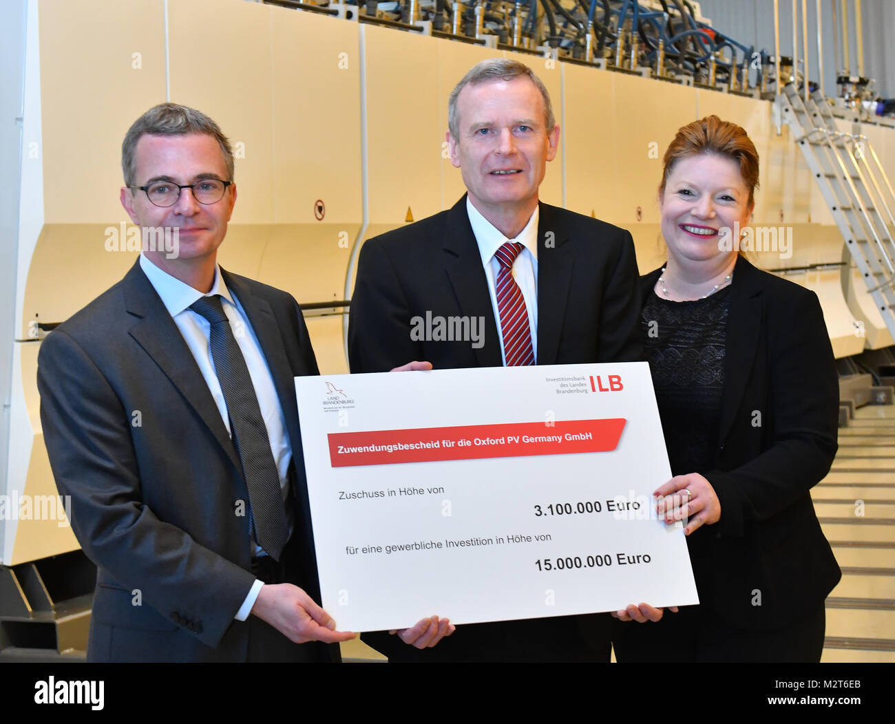 Brandenburg's Economics Minister Albrecht Gerber (SPD) and Kerstin Joentgen, member of the board of Brandenburg's - Stock Image
