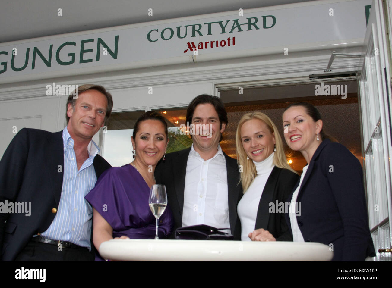 'New Courtyard Party' im First Class Hotel Courtyard by Marriott Hamburg Airport, nach dem Umbauarbeiten - Stock Image