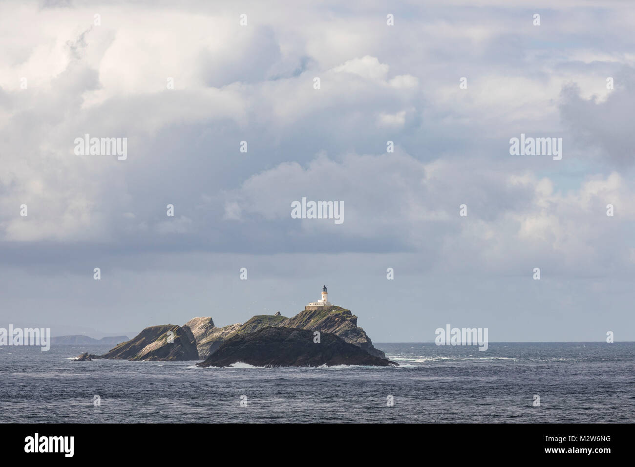 Great Britain, Scotland, Shetland, Unst, Out Stack, lighthouse - Stock Image