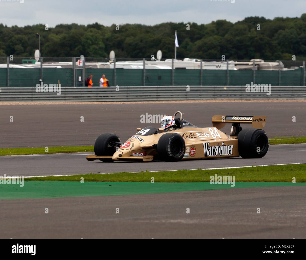 Jonathan Kennard driving an Arrows A3  into third place in the  FIA Masters  Historic Formula One Race, at the 2017 - Stock Image