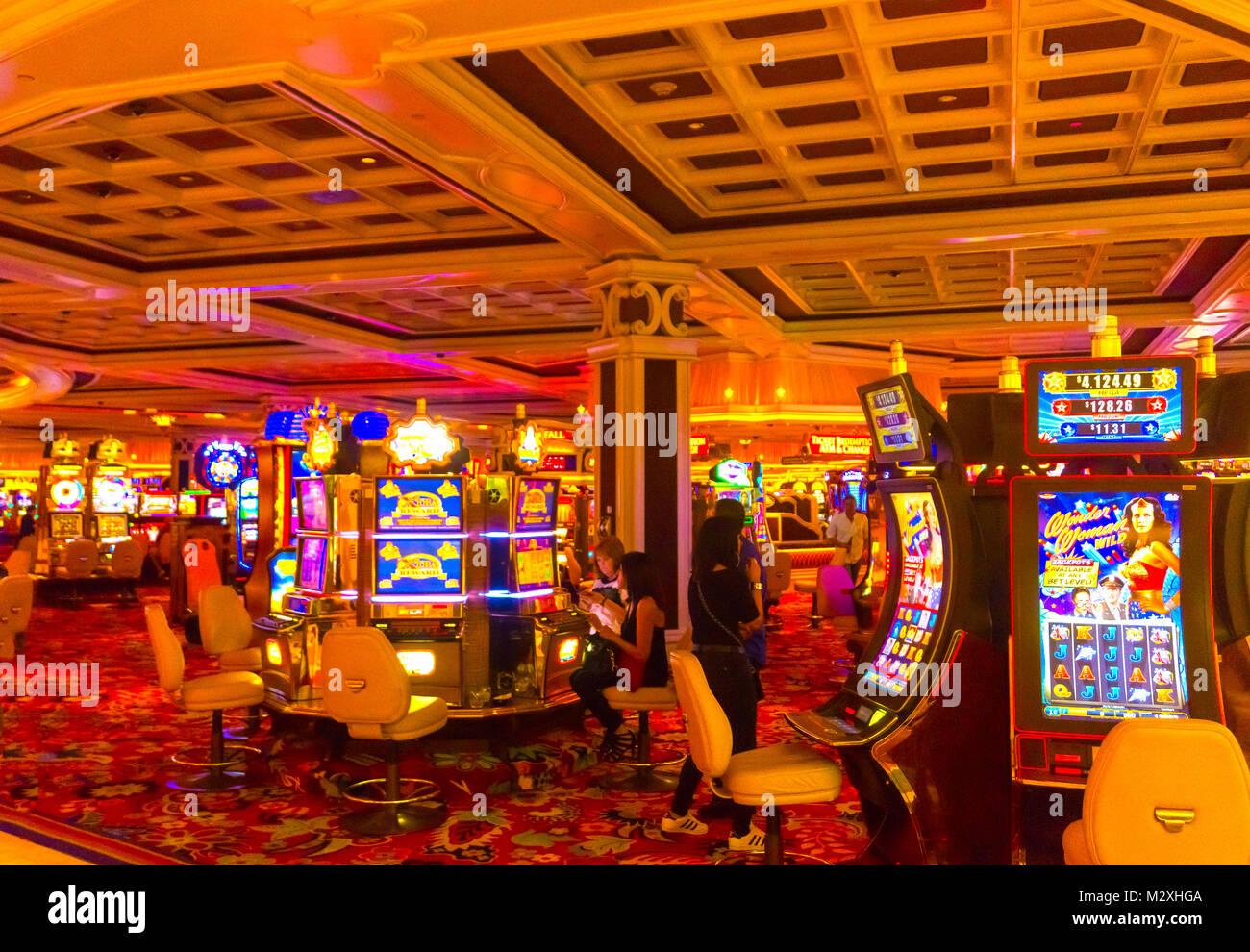 В зал игровых чехии автоматов