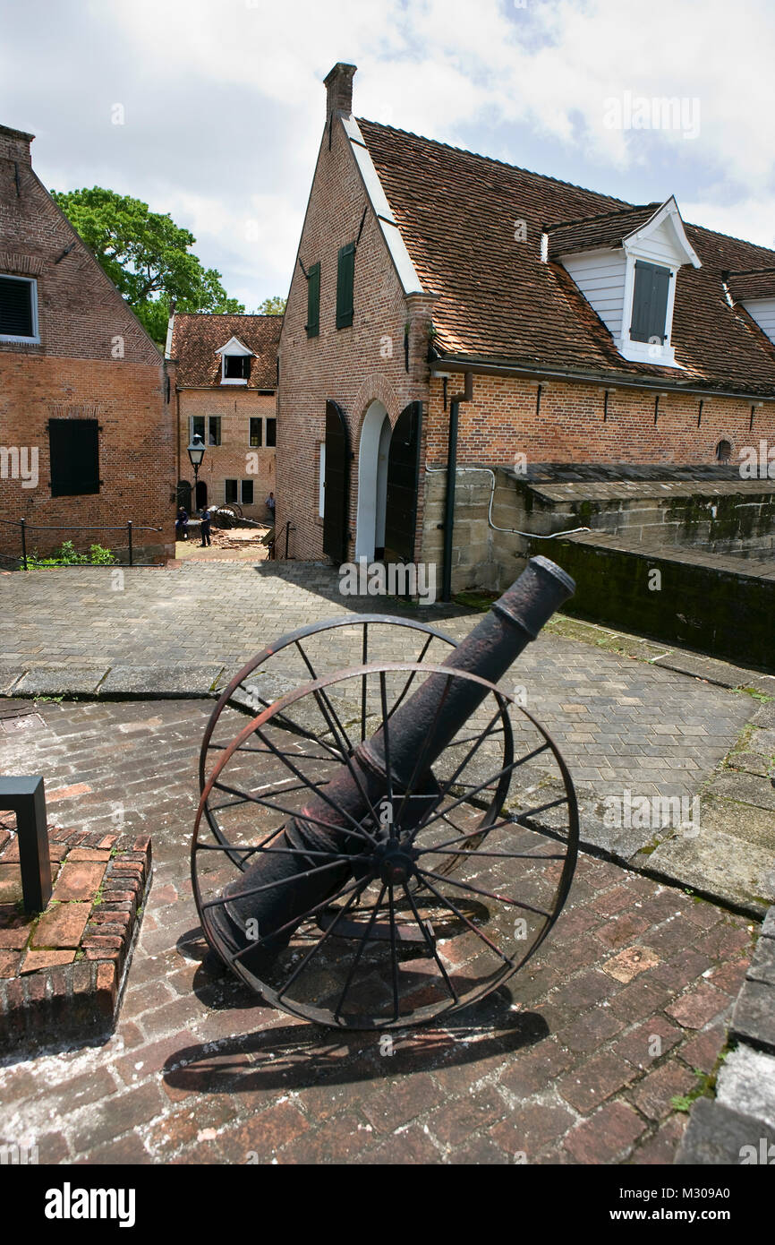 Suriname, Paramaribo, old fort called Zeelandia. Cannon. - Stock Image