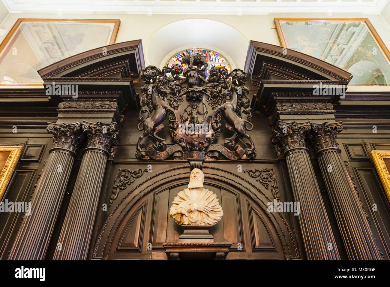England, London, The City, Black Friars Lane, Apothecaries' Hall, Statue of Gideon de Laune Stock Photo