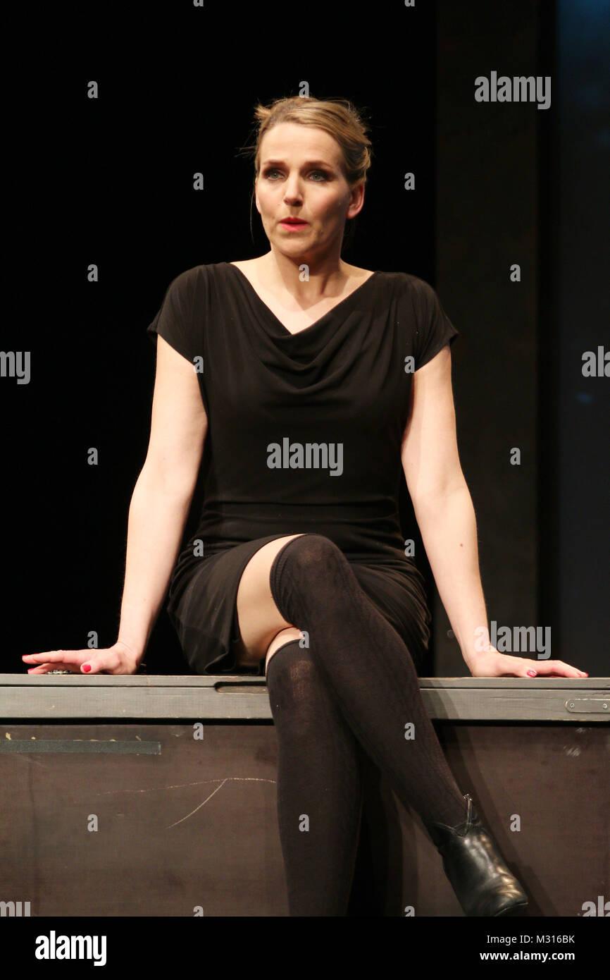 Tanja Wedhorn (Helena), Fotoprobe des Theaterstuecks Eine