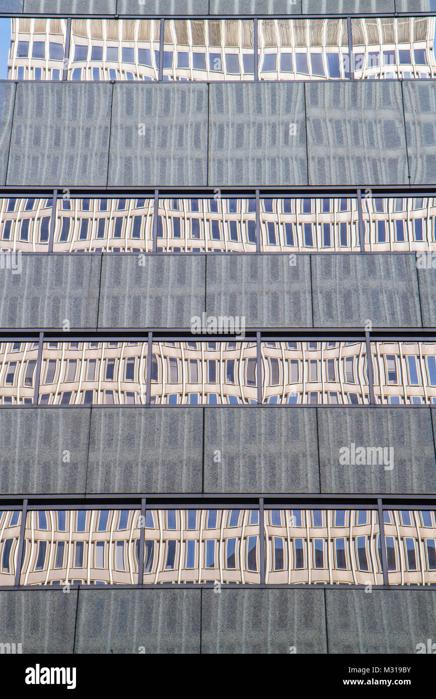 Baltimore Maryland Wachovia Tower office building modern glass window reflection shape symmetry distortion architecture - Stock Image