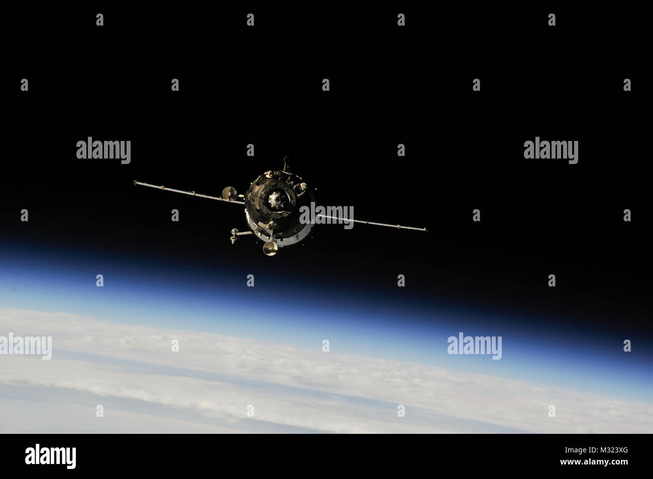 The Soyuz TMA-10M spacecraft approaches the International Space Station on Sept. 25, 2013, carrying Expedition 37 - Stock Image