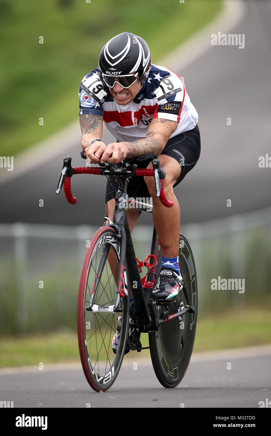 LONDON, ENGLAND - SEPTEMBER 13:  Jorge Avalos of the United States competes in the Men's Time Trial IRB2 during - Stock Image