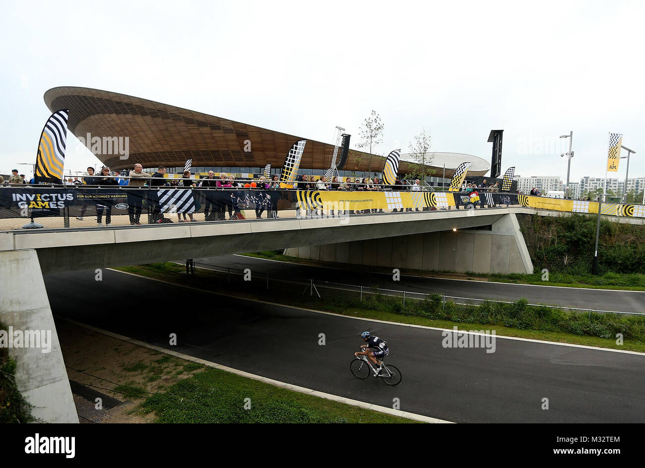 LONDON, ENGLAND - SEPTEMBER 13:  A general view as competitors make their way past the Lee Valley Velopark during - Stock Image