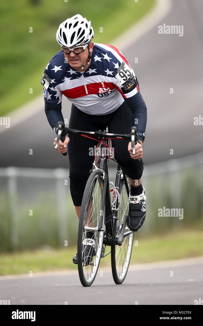 LONDON, ENGLAND - SEPTEMBER 13:  William Cotty of the USA competes in the Men's Time Trial IRB3 during the Road - Stock Image