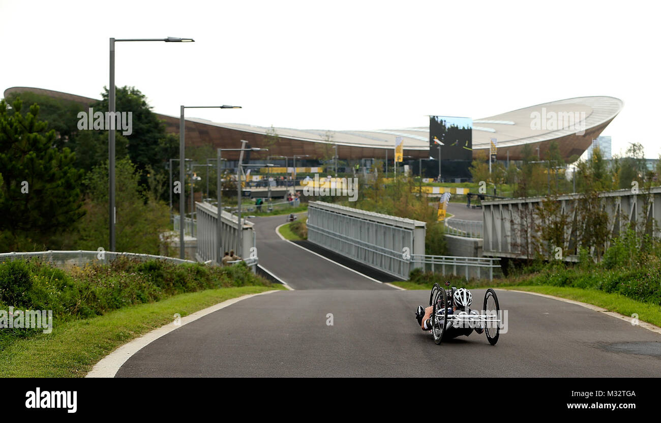 LONDON, ENGLAND - SEPTEMBER 13:  Geoff Hopkins of USA makes his way round the time trial course during the Road - Stock Image