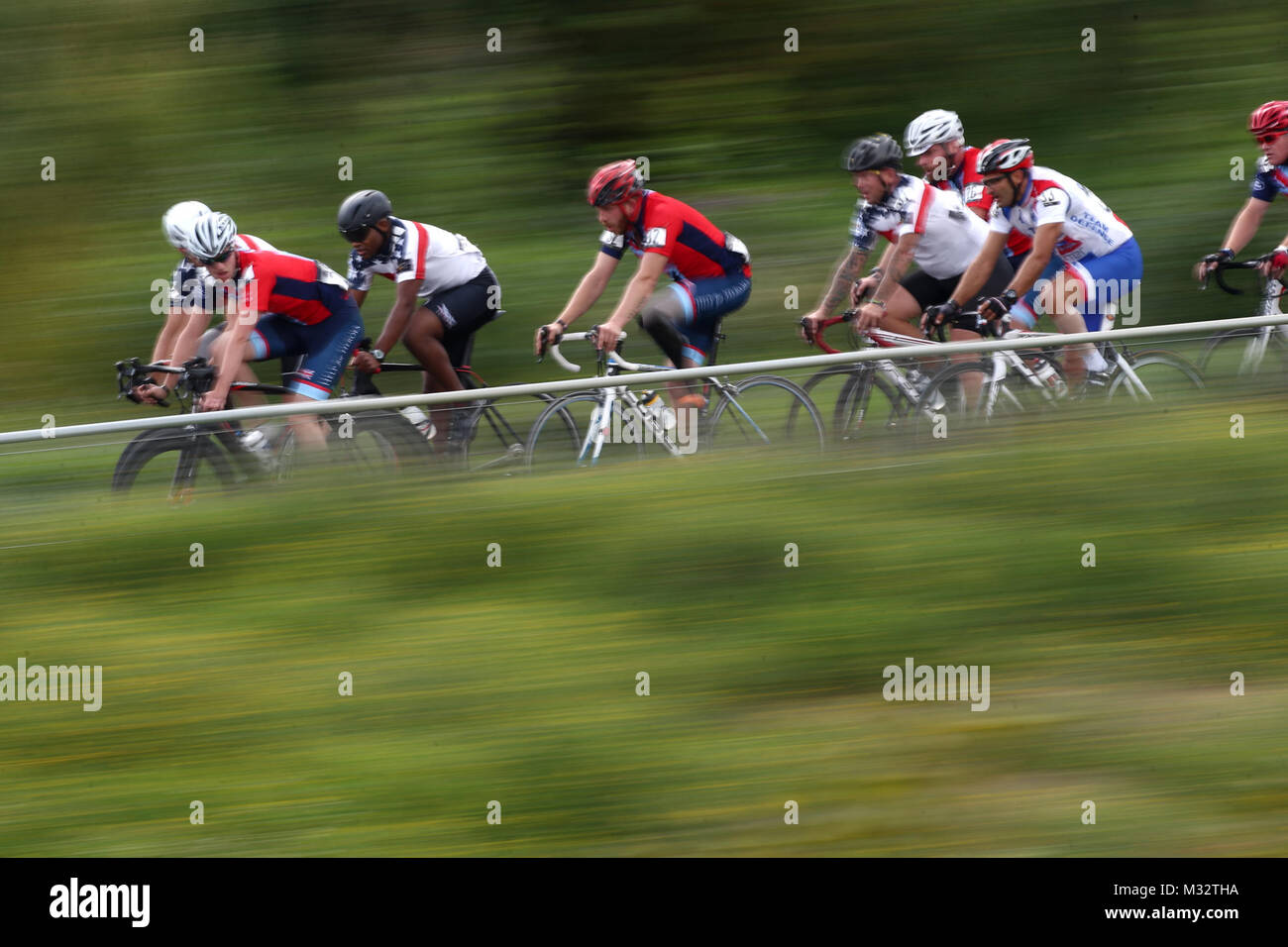 LONDON, ENGLAND - SEPTEMBER 13:  The peloton race during the Men's Circuit Road Bike Race 2 IRB2 race during - Stock Image