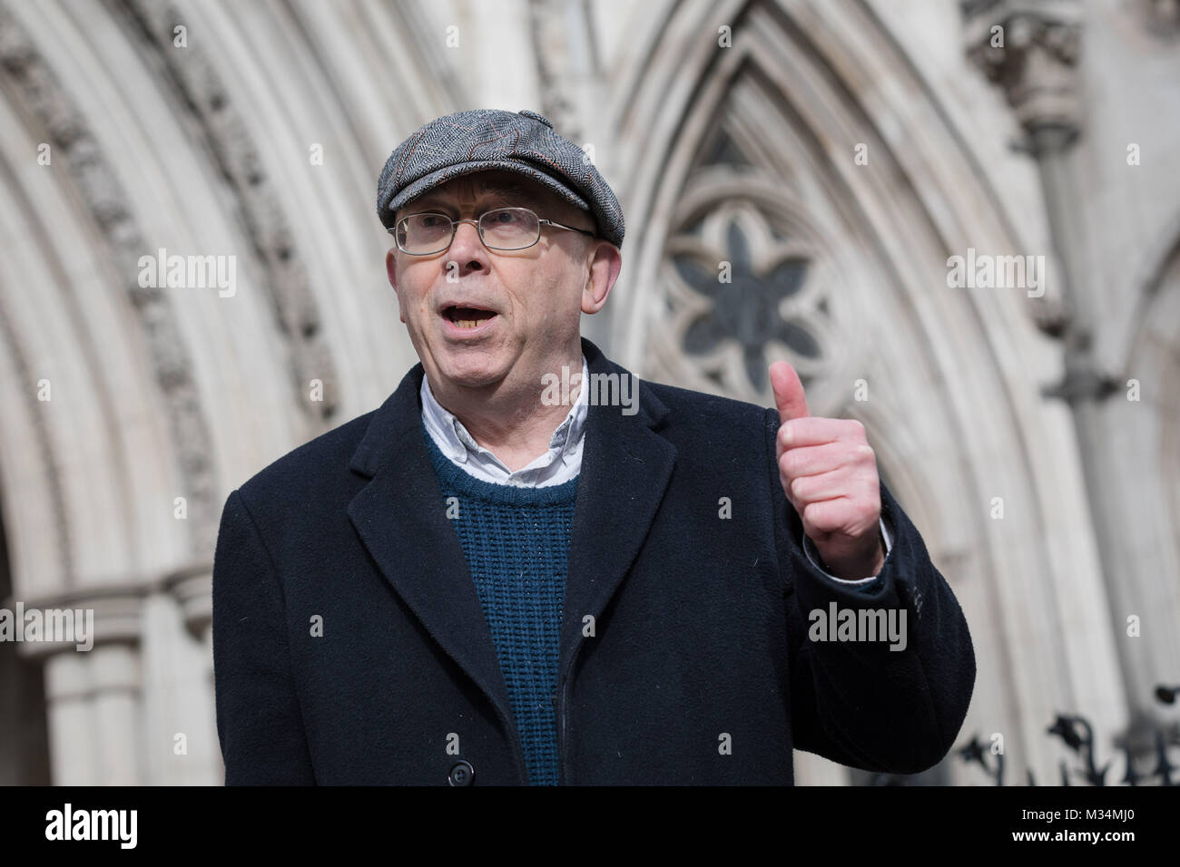 London, UK. 8th February 2018. Class War founder and veteran anarchist, Ian Bone speaking outside the High Court - Stock Image
