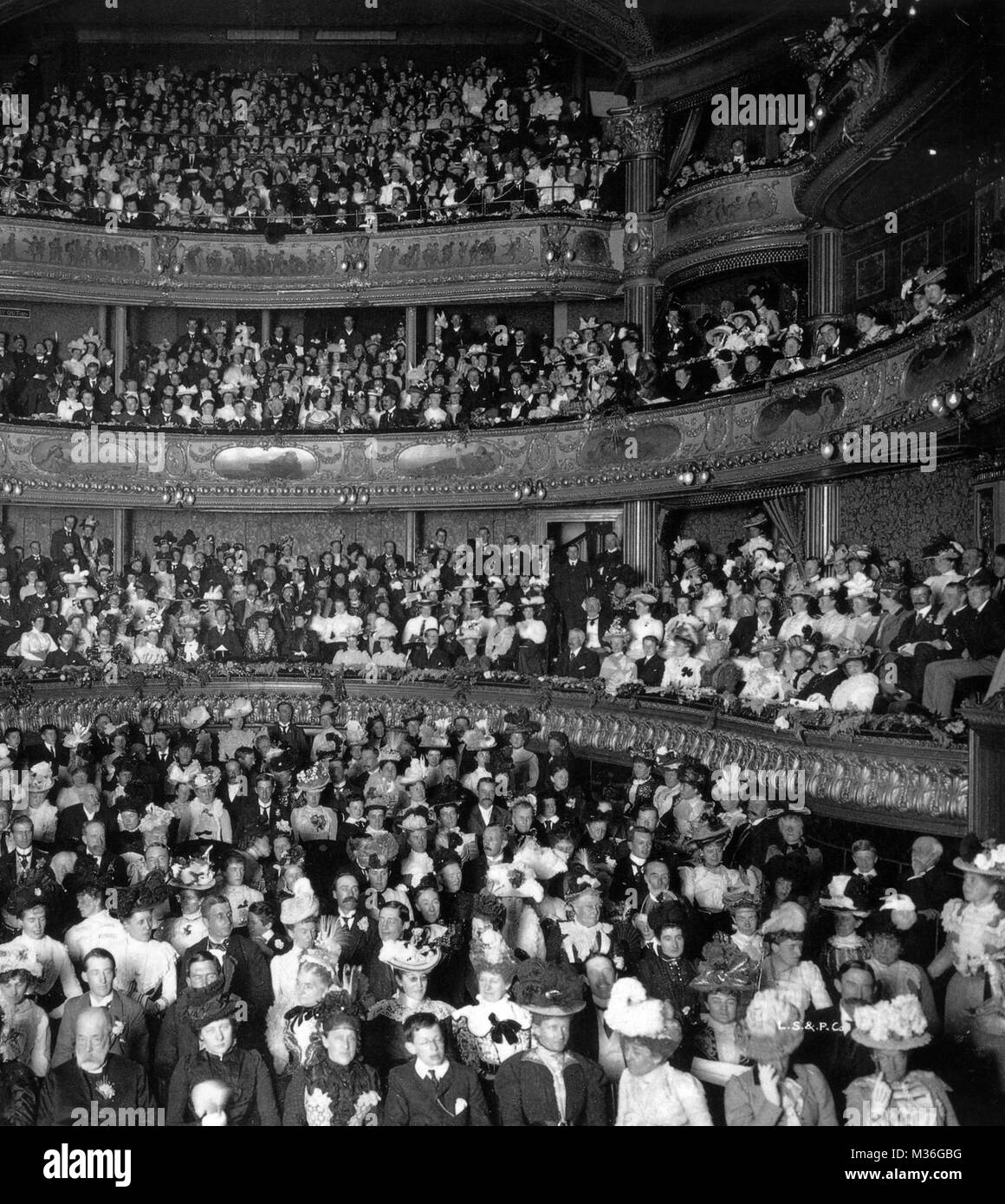 AUDIENCE AT THE Haymarket Theatre, London, 1895 - Stock Image