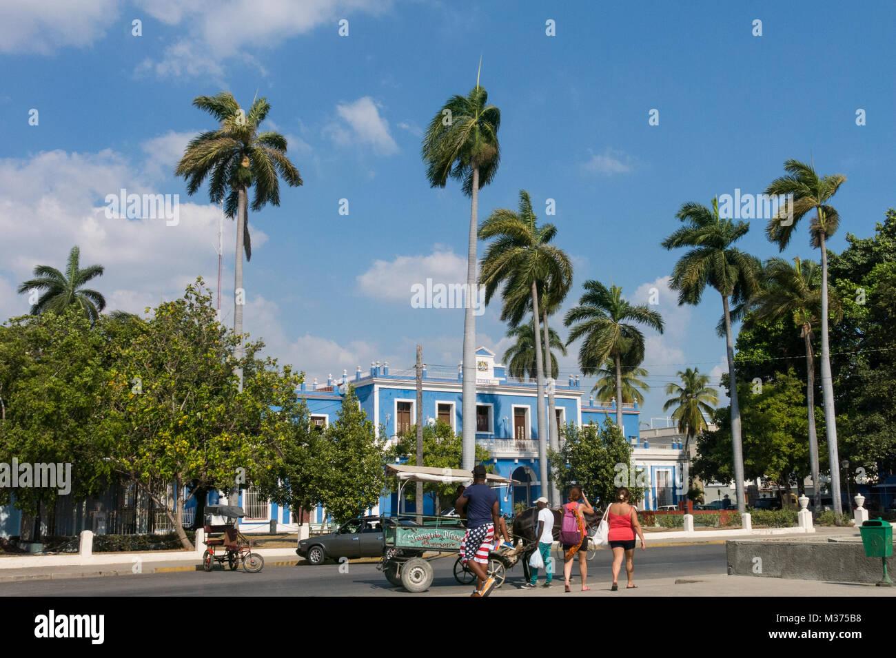 CIENFUEGOS, CUBA - JANUARY 3, 2017: Jose Marti Park, the main square of Cienfuegos, in front of the Purisima Concepcion - Stock Image