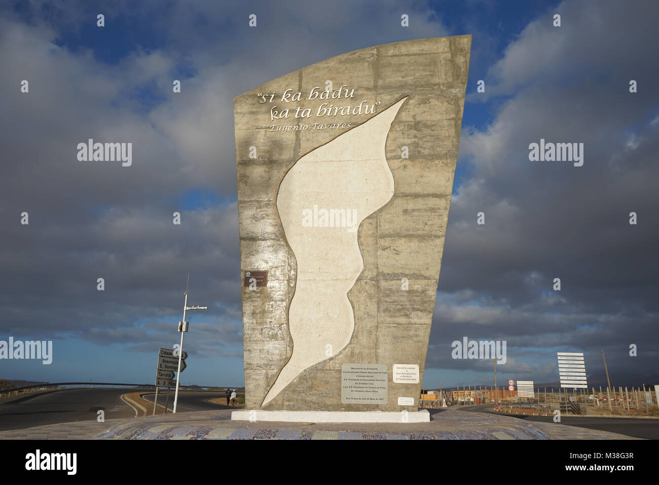 Monument to the emigrant, in Praia - Stock Image