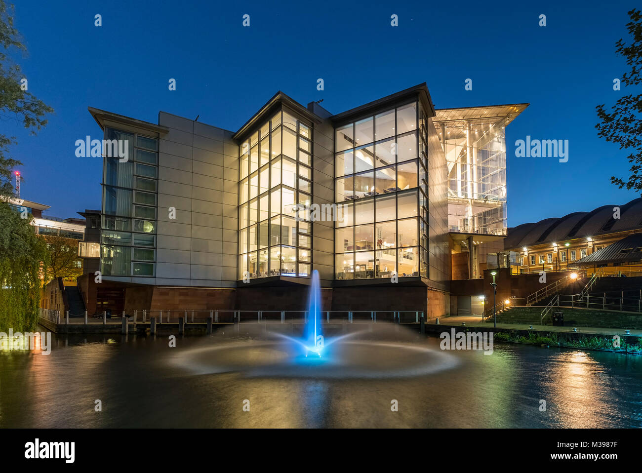 The Bridgewater Hall at night, Manchester, Greater Manchester, England, UK - Stock Image