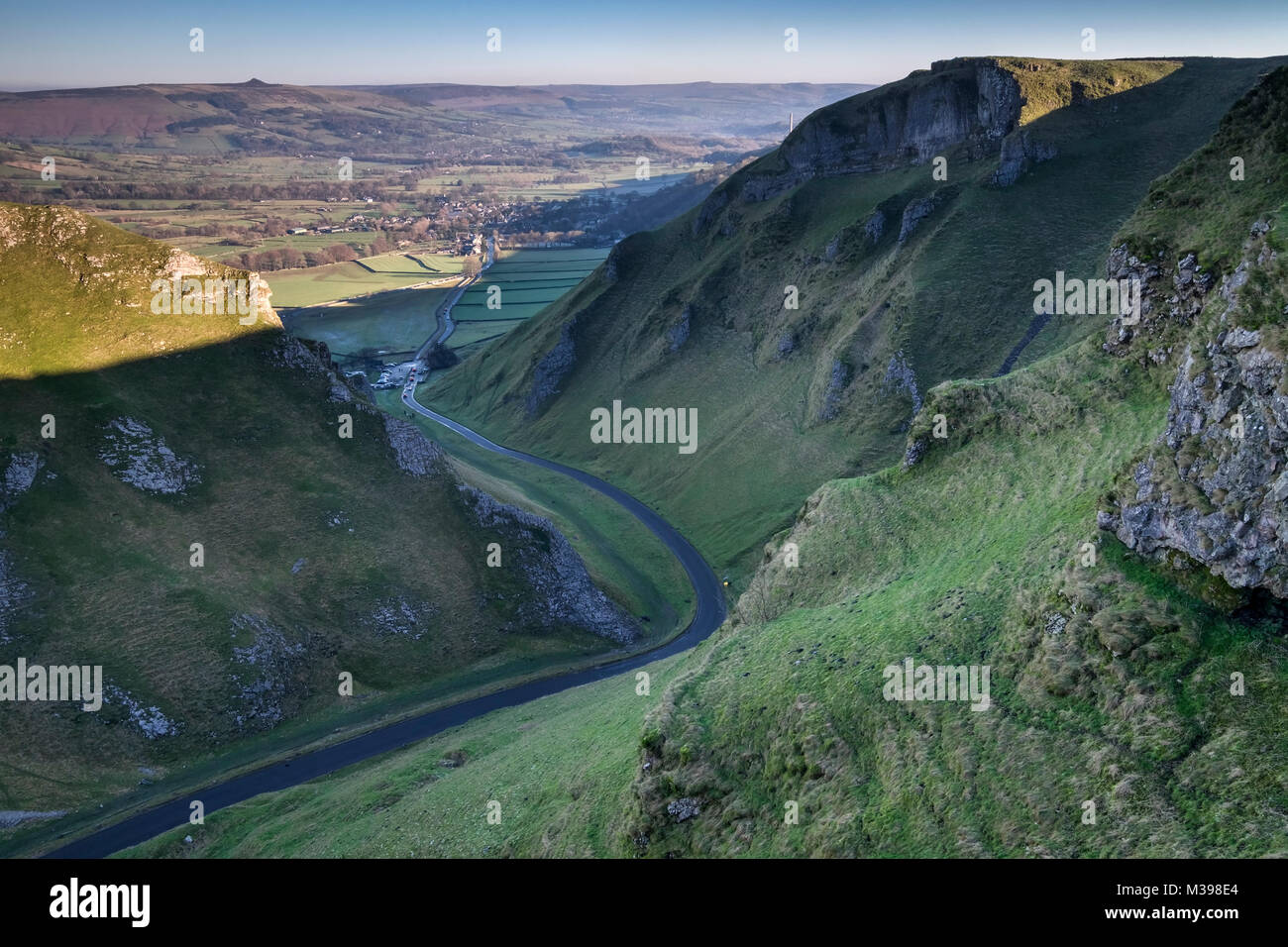 Winnats Pass limestone gorge, near Castleton, Peak District National Park, Derbyshire, England, UK - Stock Image