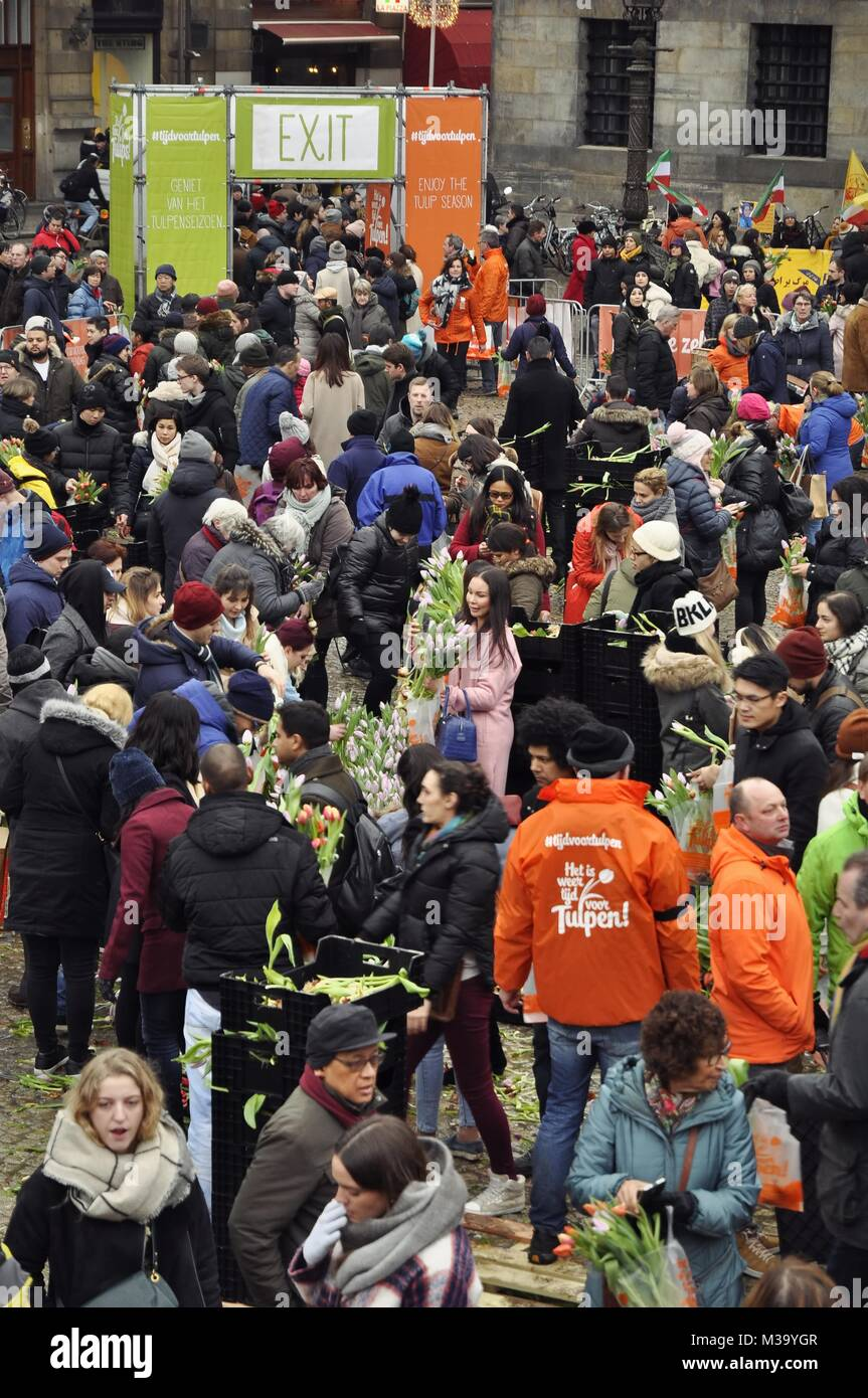 Amsterdam, Netherlands - January 20, 2018: Overhead view of the crowd and event organisers in front of the exit - Stock Image