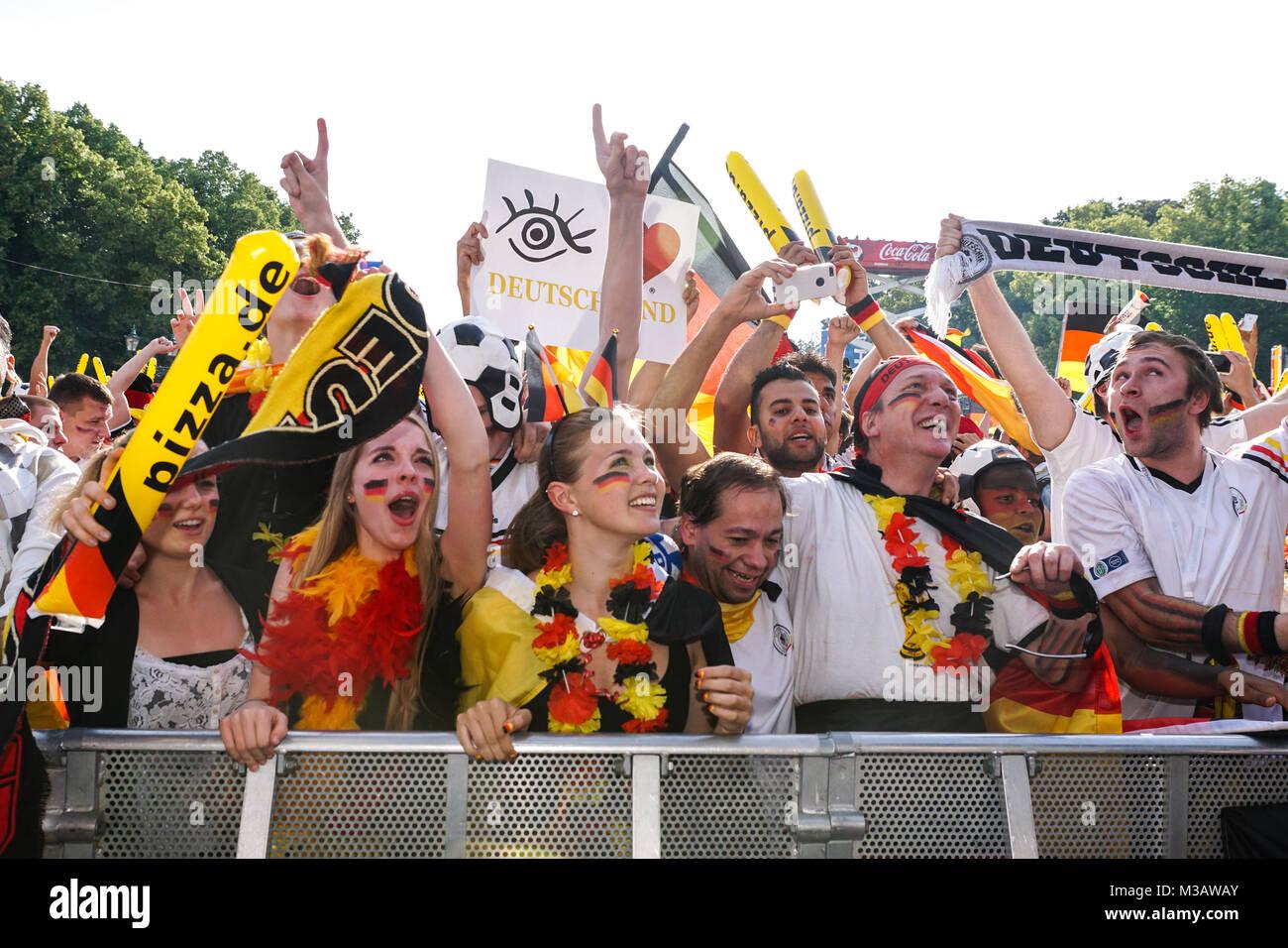 Public Viewing Beim Spiel Deutschland Portugal Auf Der