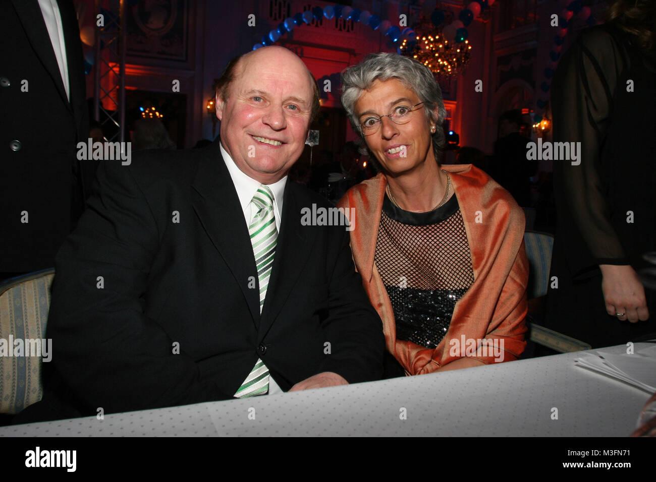 Blauer Ball 2006 im Atlantic Hotel Hamburg am 01.04.2006. Alexandra Dinges-Dierig & Charly Doerfel - Stock Image