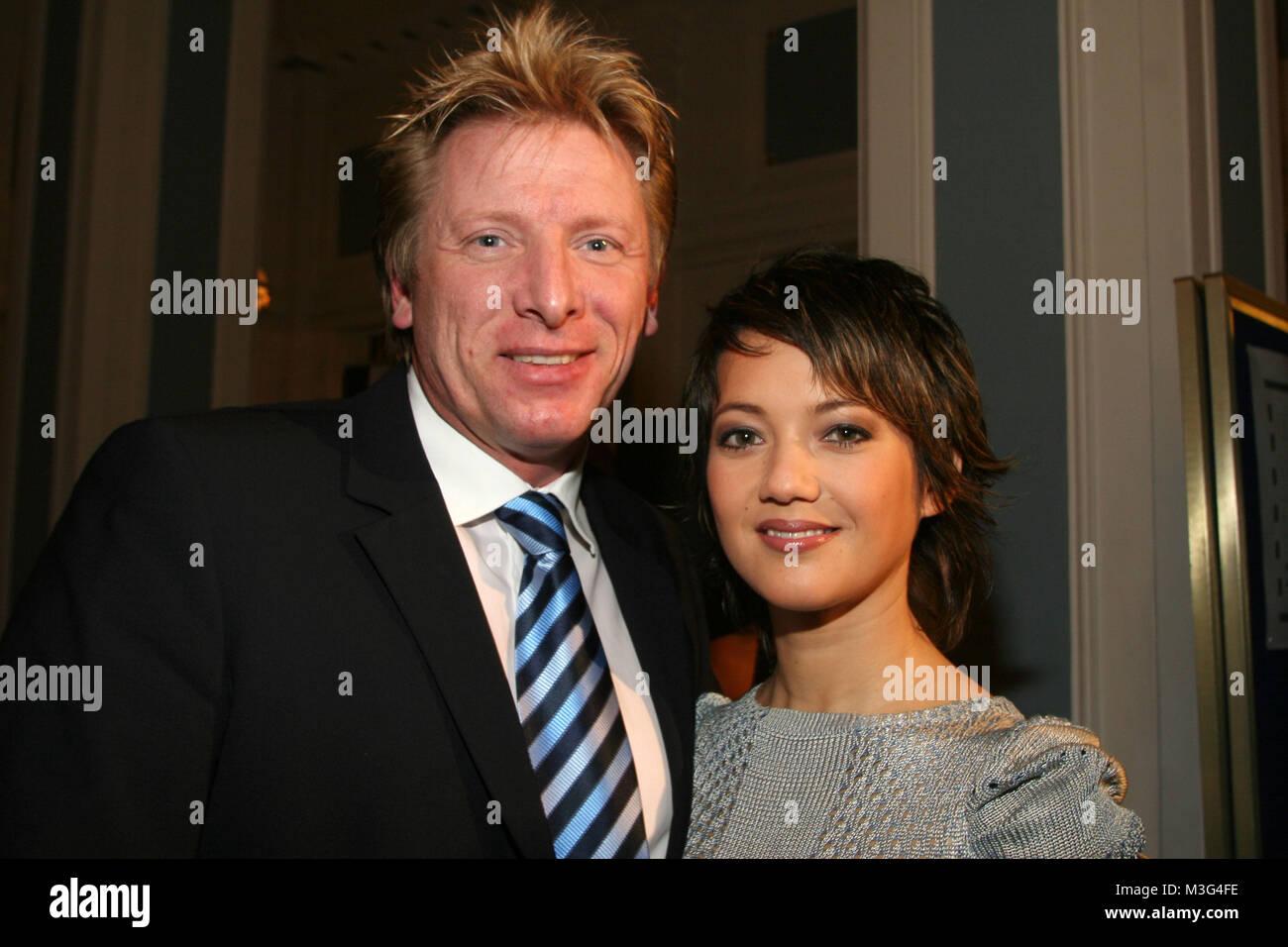 Blauer Ball 2006 im Atlantic Hotel Hamburg am 01.04.2006. Ludgar Abeln & Madeleine Wehle (Moderation) - Stock Image