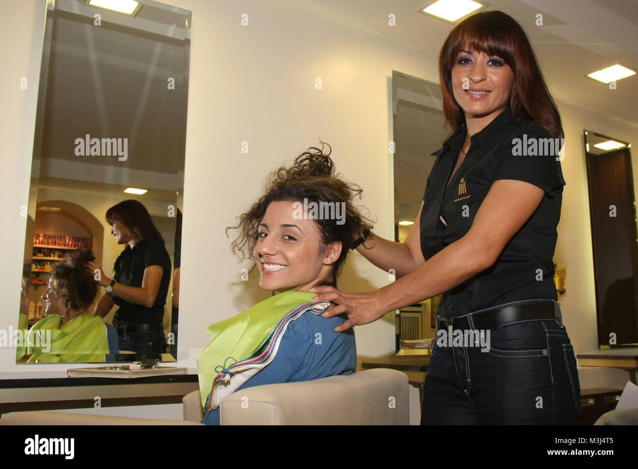 Styling Im Mahnaz Hair Beauty Galerie Moorweide Hamburg Stock