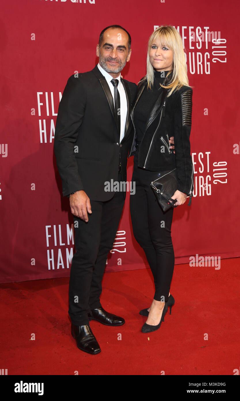Navid Negahban und Nina Sangunish , Eroeffnung des  Filmfest im Cinemaxx  Kino Hamburg am 29.09.2016 - Stock Image