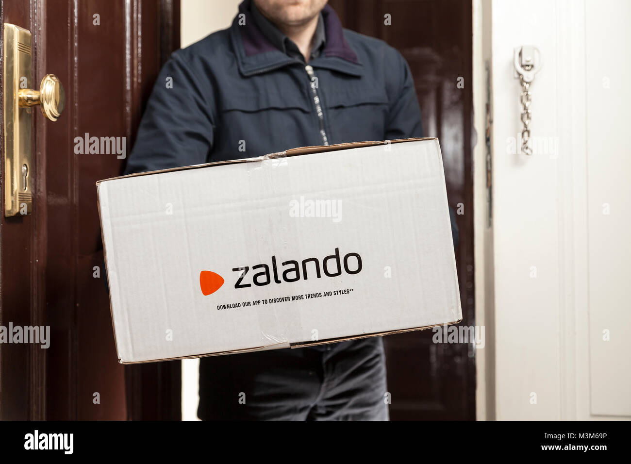 new product 863ea 01b50 Parcel of Zalando (online shop in germany Stock Photo ...
