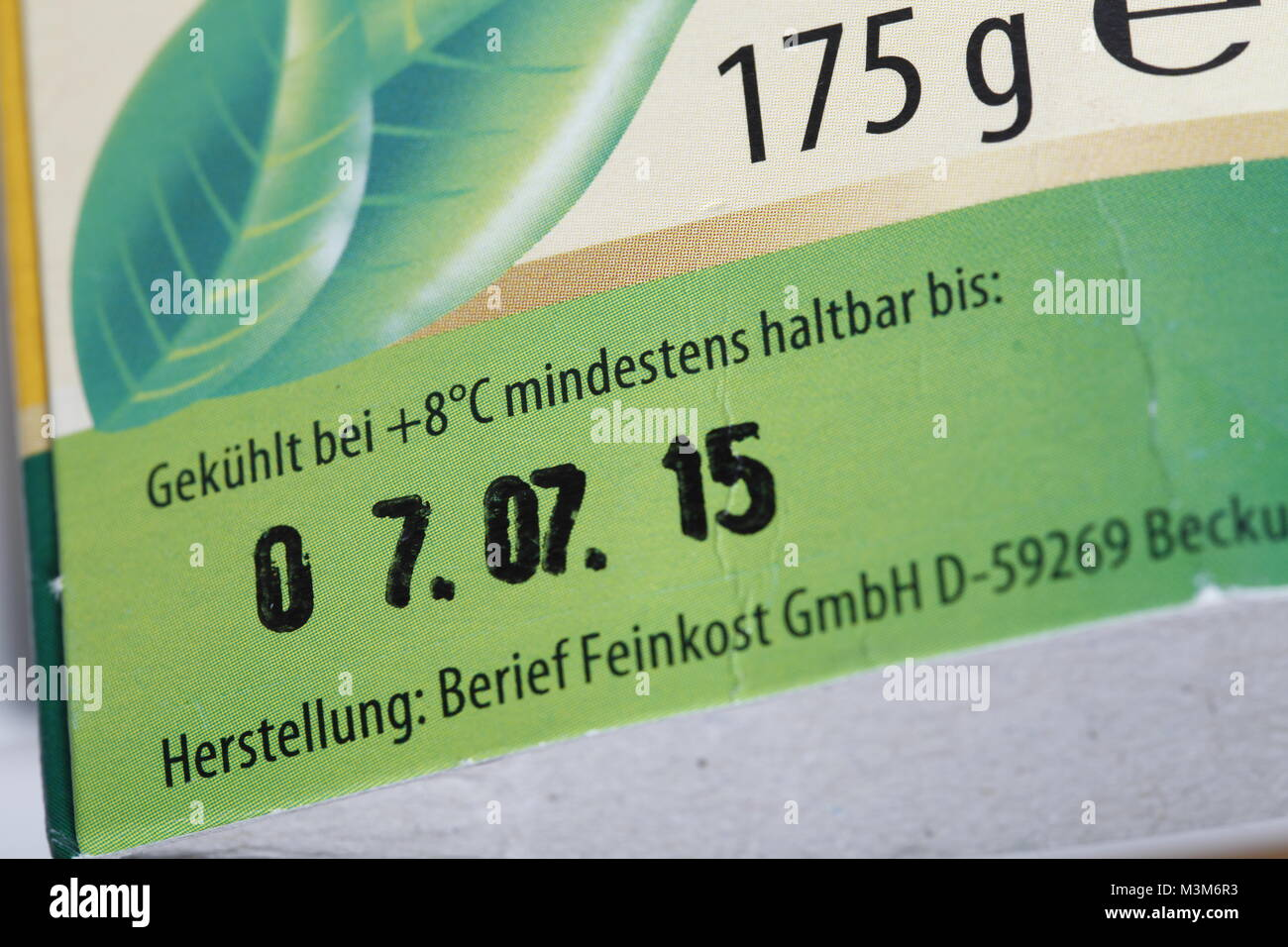 Mindesthaltbarkeitsdatum auf Verpackung Stock Photo - Alamy