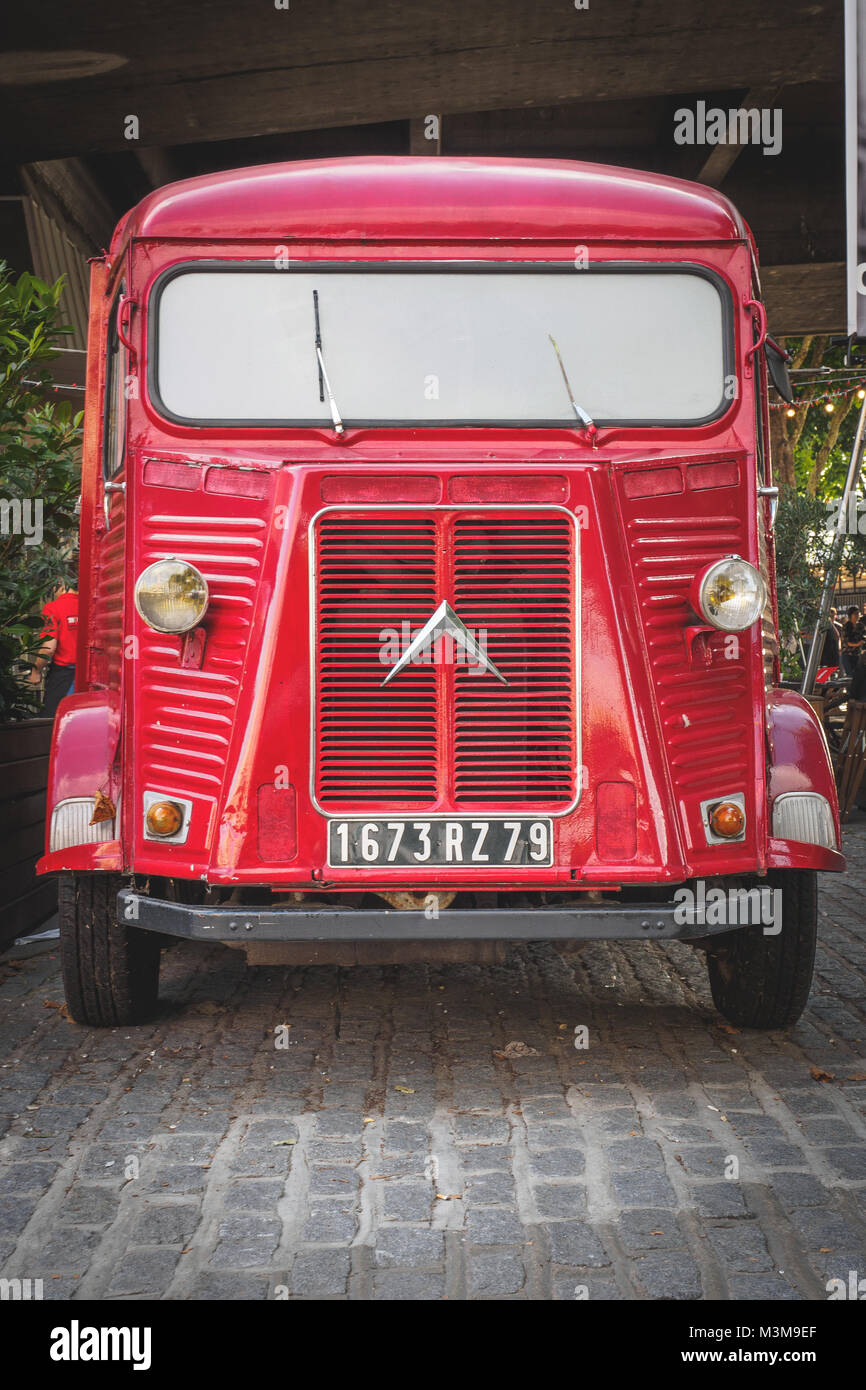 London (UK) - August 2017. Vintage red Citroen HY van parked on the South Bank Queen's walk. Portrait format. - Stock Image