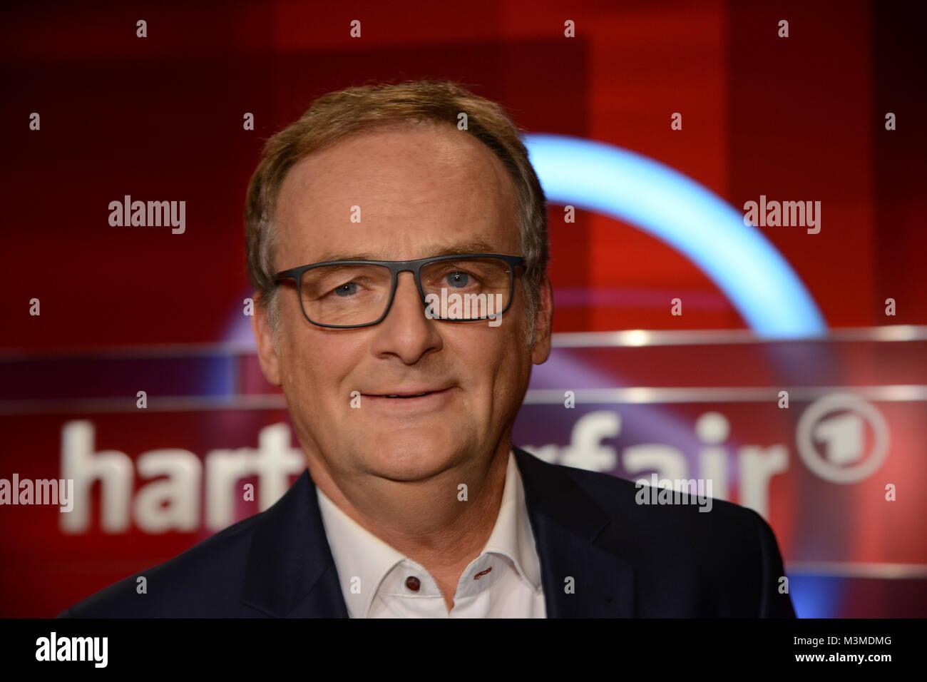 Frank Plasberg der Moderator im PortrŠt in seiner wšchentlichen ARD Talkshow Hart aber Fair zum Thema Trump und - Stock Image